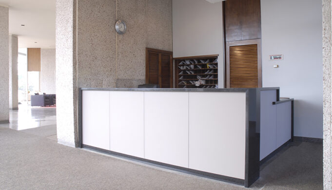 ​custom reception desk
